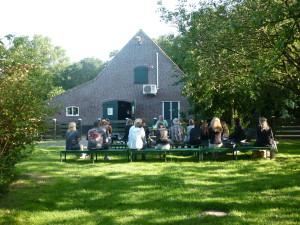 Uitreiking certificaten op buurtboerderij de Nijkamphoeve